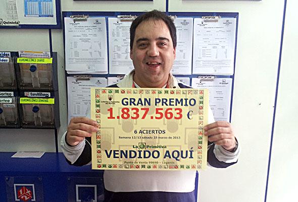 NUESTRO COMPAÑERO J. Mª HERRADOR, PRESIDENTE DE LA ASOCIACIÓN DE MADRID, DA UN PREMIO MILLONARIO DE LA PRIMITIVA