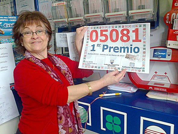 NUESTRA COMPAÑERA Mª ANTONIA RAMÓN ROIG, DA EL PRIMER PREMIO DEL A LOTERÍA NACIONAL DEL JUEVES
