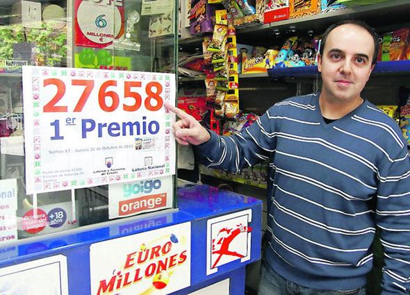 Nuestro compañero Isidoro Jorge de Zamora, reparte mas de medio millón en la Lotería Nacional del Jueves.