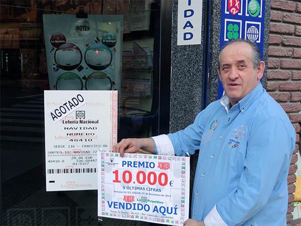 El presidente de La Rioja da un premio en El Joker.