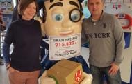 Nuestra compañera Dª. Inmaculada Teruel, de Orihuela (Alicante), da la suerte rozando el millón de euros en La Quiniela.